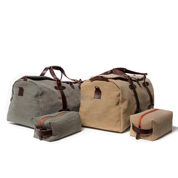 packs de bolsas de viaje personalizables y neceseres con iniciales
