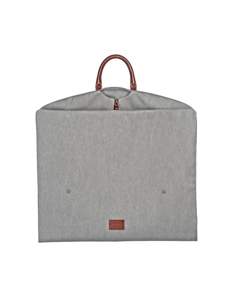 portatrajes gris claro plegado de bowaca