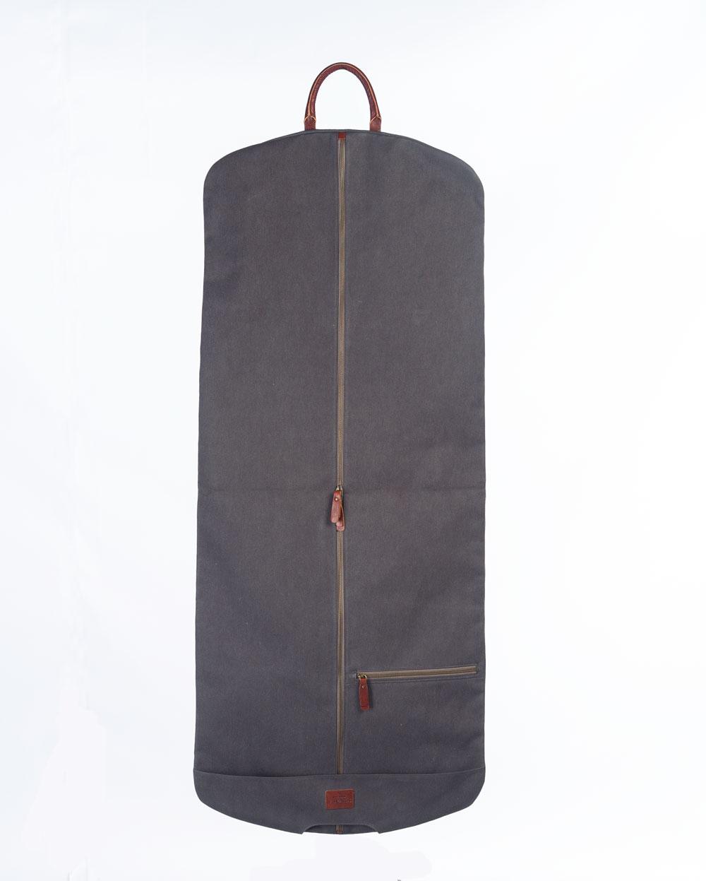 portatrajes gris oscuro bowaca desplegado